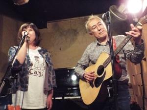 昨年の暮れ、ラ・カーニャでの「恭蔵さん追悼」コンサートでの高坂絵理子さん
